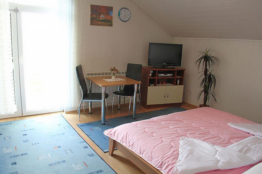 Apartman room danijela - the cheapest accommodation in Zagreb